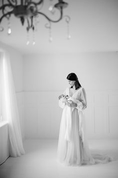 Newborn  Neugeborene Fotoshooting Babyfoto Zürich Portrait, Newborn Photography, One Shoulder Wedding Dress, Baby Newborn, Wedding Dresses, Fashion, Expecting Photos, Photo Studio, Newborns