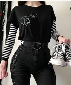 or 🍕🖤 grunge pizza blackandwhite black grungepost emo emogirl emos skull cute smol small tiny goth gothic Bad Girl Outfits, Tomboy Outfits, Cute Casual Outfits, Teen Fashion Outfits, Teenager Outfits, Grunge Outfits, Retro Outfits, Edgy Teen Fashion, Casual Goth