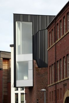 192 Shoreham Street is a Victorian industrial brick building sited at the edge of the Cultural Industries Quarter Conservation Area of Sheffield. Warehouse Renovation, Building Renovation, Brick Building, Old Building, Brick Facade, Facade Architecture, Amazing Architecture, Contemporary Architecture, Landscape Architecture
