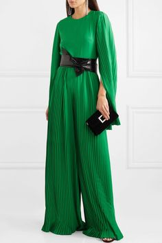 Emerald crepe Concealed hook and zip fastening at back polyester Dry clean Lela Rose, Fall Fashion Outfits, Cool Outfits, Diane Von Furstenberg, Elegante Y Chic, Haute Couture Fashion, Passion For Fashion, Designer Dresses, Ideias Fashion
