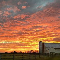 Stunning countryside sunrise in Gettysburg, Pa.!