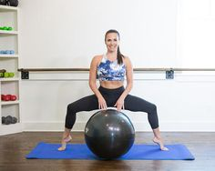 Take your workout to the next level with our top 8 stability ball exercises. Stability balls are great for developing balance and stability while making it easier to target specific trouble spots.