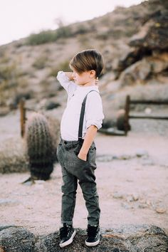 handsome little boy in the desert for family photos | thelovedesignelife.com