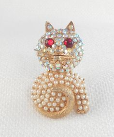 Vintage Hollycraft Cat Pin Brooch Adorable Pave Stone