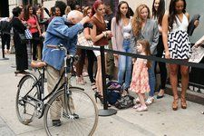 Bill Cunningham, Legendary Times Fashion Photographer, Dies at 87 - NYTimes.com