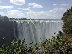 Viktorya Şelalesi, Zambiya-Zimbabve... #zimbabve#UNESCO#worldheritage#Dünyamirasılistesi#tarih##görülmesigerekenyerler#history#Türkiye#Turkey#heritagelist#gezi#millipark#ulusalpark#nationalparks#travel