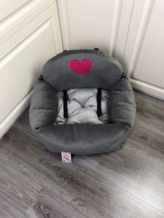Gray and pink dog car seat Driving kit for dog Designer dog car seat Luxury dog bed for traveling Customized dog car seat Princess Dog Bed, Bed Measurements, Personalized Dog Beds, Dog Suit, Designer Dog Beds, Dog Ramp, Puppy House, Dog Steps, Dog Car Seats