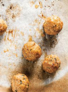 Boulettes de veau quatre usages - girls loved them Veal Recipes, Hamburger Meat Recipes, Meatball Recipes, Cooking Recipes, Veal Meatballs Recipe, Minced Meat Recipe, Ricardo Recipe, Confort Food, Mince Meat
