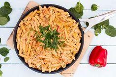 Pasta med kyckling och soltorkad tomat