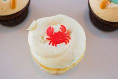 Georgetown cupcakes goes nautical! | Photography by Brea