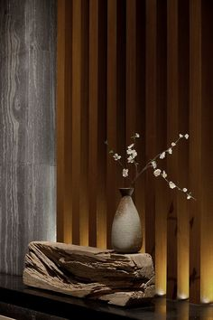 Centuries of rich culture expressed in interior design. The best chinese interiors to boost your inspiration Great decor ideas! Asian Interior Design, Chinese Interior, Japanese Interior, Japanese Design, Interior And Exterior, Wabi Sabi, Ikebana Flower Arrangement, Flower Arrangements, Floral Arrangement