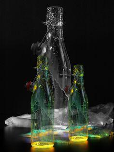 Leuchtende Flaschen (Montage)