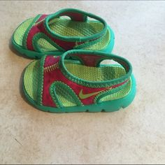 Nike sandals Nike sandals size 3 innovent. Worn once. Smoke-free home. Super lightweight and comfortable. Nike Shoes Sandals
