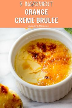 Easy and so YUMMY Orange Creme Brûlée has only 5 ingredients! You'll love a zesty orange flavor that pairs beautifully with sweet Creme Brûlée. You can make this traditional French dessert with or wit Pudding Desserts, Custard Desserts, Köstliche Desserts, Plated Desserts, Dessert Simple, Best Creme Brulee Recipe, Easy Puff Pastry Desserts, 5 Ingredient Desserts, Traditional French Desserts