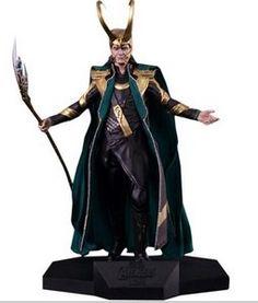 Loki do filme Os vingadores  Produzido com base em referências e 3D originais do filme Feito em Polystone Pintado a mão Capa em tecido Acompanha base  22cm ...