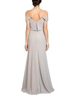 DescriptionJenny Yoo SabineFull length bridesmaid dressDrapedneckline with spaghetti straps and off the shoulder sleevesBlouson silhouette with natural waistCrepe de ChineDesignerJenny Yoo, based in New York City, has been in the bridal industry since 2002 when her first bridesmaid dress collection launched. Her namesake label has since taken off and is a leader in the industry across trend, quality and aesthetic. She is known for an ethereal, muted color palette ranging across many…