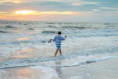 Soaking up the Sun and Surf in Naples, FL – Pratesi Living Florida Activities, Charter Boat, Parasailing, Boat Tours, Florida Vacation, White Sand Beach, Naples, Habitats, Kayaking