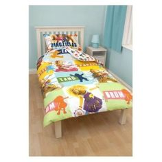 Childrens/Kids Zing Zillas Quilt/Duvet Cover Bedding Set (Twin Bed) (Multicoloured) by Zing Zillas. $20.20. Size to fit single bed: duvet cover 135cm x 200cm.. Fibre: 100% Polyester Microfibre.. High quality kids bedding.. Machine washable.. Pillowcase 48cm x 74cm (all sizes are approximate).. Please note: This product is a UK import, this duvet cover supplied isslightly smaller than the standard US duvet size, it will fit but theduvet may fold at the edge when covered. This is ...