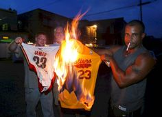 8 Times Lebron James Was the Worst Best Player In The Game