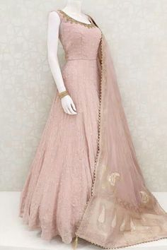 Indian Dresses Online, Indian Gowns Dresses, Indian Fashion Dresses, Indian Designer Outfits, Pakistani Dresses, Indian Outfits, Gowns Online, Pakistani Clothing, Indian Clothes