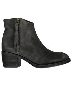 Graue Damen Stiefelette von Unisa #shoes #fashion #boots #engelhorn #fall #styles