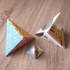 """Let's make a triangle gift box with Catchy Cat Origami!Cat Origami pyramid, made with 3 sheets of origami paper.This 3D cat face is perfect for room decor, or even as a gift box.:猫おりがみで三角BOXを作ってみよう!猫折り紙を3枚組み合わせて作る、三角BOX。立体的な猫顔は飾っても可愛いし、中にちょっとしたプレゼントを入れることもできます。:☞Check out """"Catchy-boutique"""" in our URL☞Follow: @catchyboutique☞tag:"""