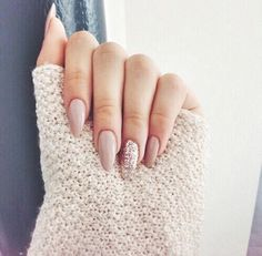 Image via We Heart It https://weheartit.com/entry/175766082 #art #colours #love #nails #simple #uni