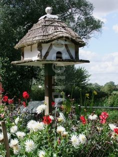 Thatched Birdhouse!