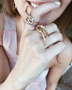 #eshvi #latestjewellery #jewelry #farfetch #love #fashion #photooftheday #london #venus #venusring