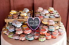 cute presentation for gifts to guests