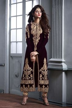 MapleFashions provides you the beautiful collection of party wear salwar kameez, casual salwar kameez,designer wear salwar kameez. Salwar kameez online shopping on Maple Fashion is safe. We provide worldwide shipping to UK USA Canada and worldwide. Looks Chic, Pakistani Outfits, India Fashion, Muslim Fashion, Indian Designer Wear, Hollywood Stars, Indian Wear, Indian Suits, Indian Dresses