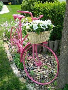 Front yard garden - 50 Stunning Spring Garden Ideas for Front Yard and Backyard Landscaping – Front yard garden Flower Planters, Diy Planters, Garden Planters, Planter Ideas, Balcony Garden, Garden Crafts, Garden Projects, Garden Art, Garden Ideas
