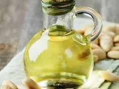 Domácí mandlový olej - Domácnost - celý návod - MojeDílo.cz Diy, Bricolage, Do It Yourself, Homemade, Diys, Crafting