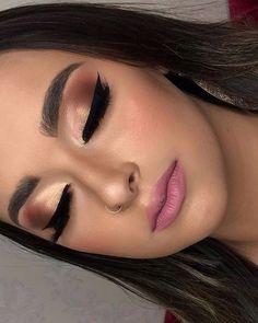 Salve a Imagem e Clique Maquiagem Perfeita: Curso de Maquiagem Online com Certificado! - make up - Maquillaje Perfect Makeup, Gorgeous Makeup, Love Makeup, Makeup Looks, Gold Eyeshadow, Eyeshadow Makeup, Eyebrow Makeup, Skin Makeup, Makeup Trends