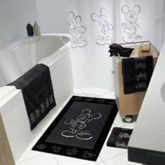 Mickey bathroom - love this, if only it was in browns .... really lovin the bath mat!
