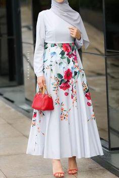 20 more hijab fashion inspiration casual maxi dresses ~ hijab mode inspiration lässig maxi kleider hijab fashion inspiration casual maxi dresses ~ casual fashion Modest Maxi Dress, Modest Outfits, The Dress, Maxi Dresses, Long Dresses, Hijab Dress, Dress Lace, Muslim Fashion, Modest Fashion