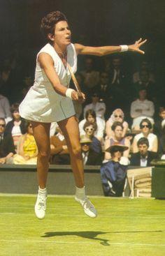 Maria Esther Bueno - Ao longo de sua carreira, venceu dezenove torneios do Grand Slam (7 na categoria simples; 11 em duplas femininas; 1 em duplas mistas). Segundo o anuário do Daily Telegraph, que registra a classificação dos tenistas entre 1914 e 1972, Bueno foi a Nº 1 do mundo em 1959 e 1960.
