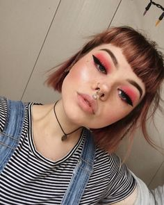 Makeup Grunge Red Eye 16 New Ideas Grunge Makeup Eye Grunge Ideas Makeup Red Red Eye Makeup, Cute Makeup, Pretty Makeup, Skin Makeup, Grunge Eye Makeup, Red Makeup Looks, Grunge Makeup Tutorial, Makeup Goals, Makeup Inspo