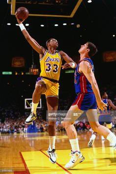 Basketball History, Basketball Legends, Sports Basketball, Basketball Players, Basketball Floor, Basketball Socks, Sports Teams, Detroit Pistons, Los Angeles Lakers