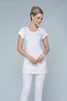 Resultado de imagen para uniforme indu spa Salon Uniform, Spa Uniform, Dental Uniforms, Work Uniforms, Dental Scrubs, Medical Scrubs, Nursing Dress, Nursing Clothes, Scrubs Outfit