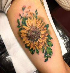 Sunflower Foot Tattoos, Colorful Sunflower Tattoo, Colorful Rose Tattoos, Sunflower Tattoo Shoulder, Sunflower Tattoo Design, Sunflower Tattoo Meaning, Sun Tattoos, Girly Tattoos, Pretty Tattoos