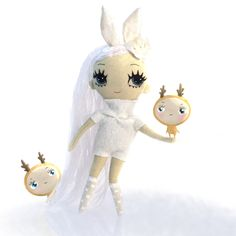 Bunny rocking with two of her favourite reindeers, Ronja and Elsa. Soft cloth doll by Dollcloud #bynny #dollcloud #reindeer