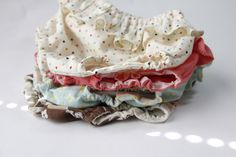 see kate sew:  ruffle diaper covers pattern + tutorial