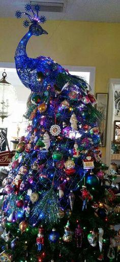Odd, but Amazing! Peacock Christmas Tree, Dress Form Christmas Tree, Peacock Ornaments, Painted Ornaments, Christmas Tree Themes, Blue Christmas, Holiday Tree, Christmas Images, Christmas Traditions