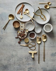 Lightly is an Australian independent design studio, run by Cindy-Lee Davies. From marble cheeseboards, brass and copper serving bowls to speckled stoneware plates, the 'Infinitude' product range en