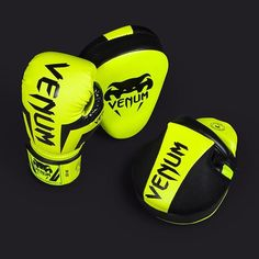 Ready for a good training? #Venum #elite #venumfight #fitness #fight #focusmitts #boxing #boxe #boxinggloves #venumtrainingcamp #madeinthailand #handmade #nevergiveup #pushyourlimits #getfit