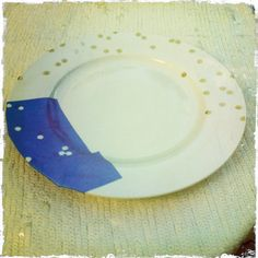DIY Kate Spade plates - probably shouldn't use spray paint like the tutorial suggests, but it's a great idea!