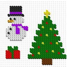 Perler bead Christmas ornament patterns Perler Bead Designs, Hama Beads Design, Pony Bead Patterns, Hama Beads Patterns, Beading Patterns, Christmas Perler Beads, Beaded Christmas Ornaments, Christmas Crafts, Perler Bead Ornaments Pattern
