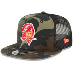 Men s Tampa Bay Buccaneers New Era Woodland Camo Black Team Logo Trucker  9FIFTY Snapback Adjustable b3c5fe155