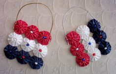 ~ Yo Yo Quilt Flag Ornaments ~ Red, White & Blue w/ Leaf Charm in the middle....